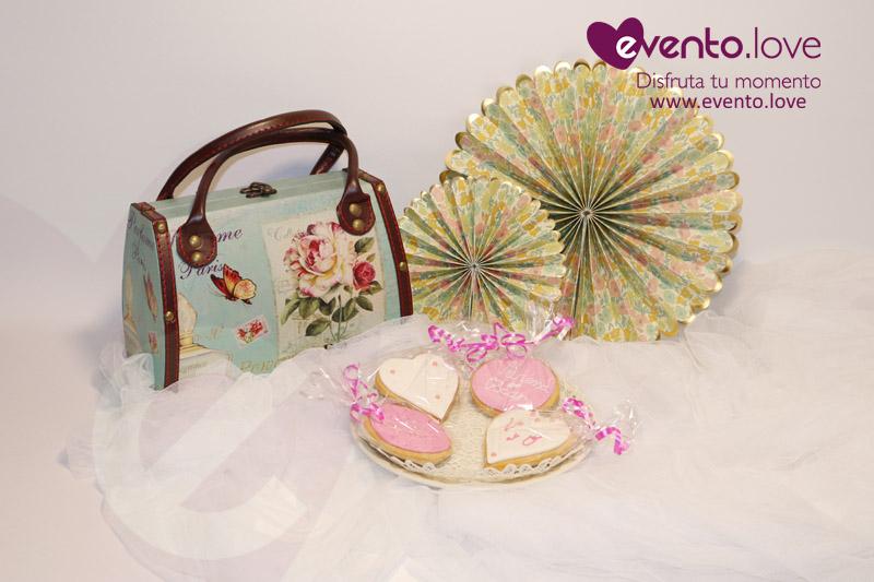 detalles boda galletas corazon rosa y blanco Vanesa Óscar