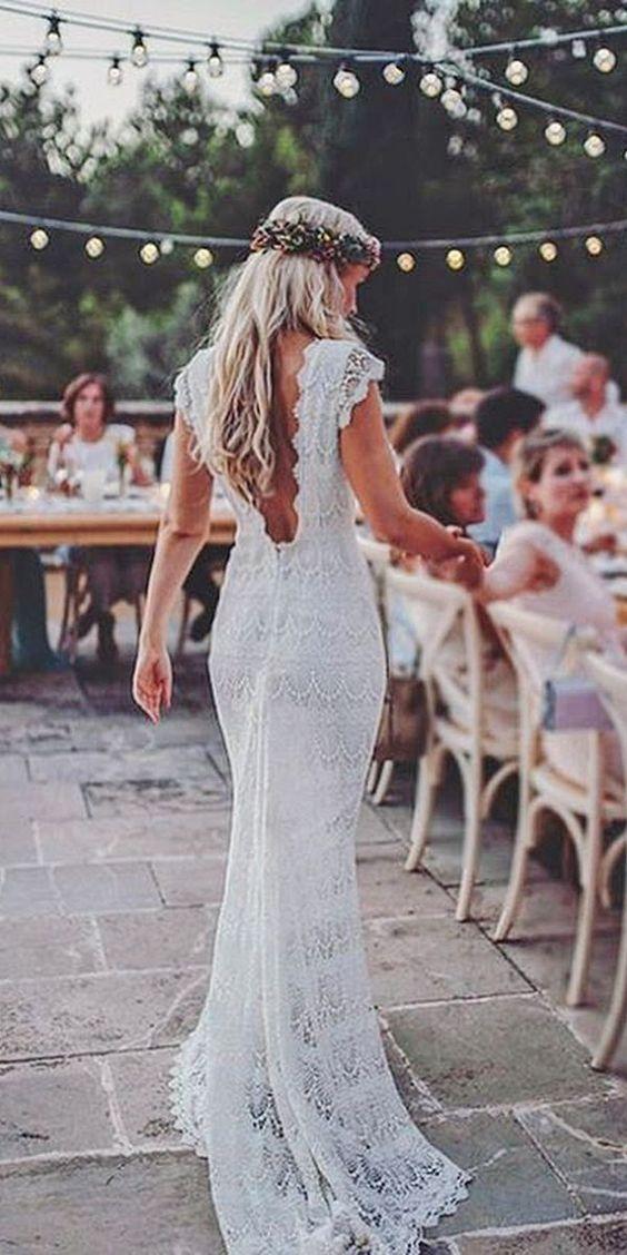 novia vestido boho chic corona flores luces guirnalda exterior boda casar enlace
