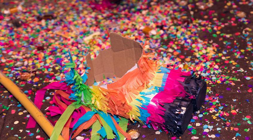 piñatas fiesta cumpleaños infantil niños peques confetti colores