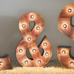 Decoración con letras gigantes: nuevo servicio de alquiler en Madrid