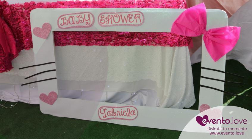 baby shower de Hello Kitty Madrid marco photocall fotocall fotografías fotos lazo rosa bigotes corazon