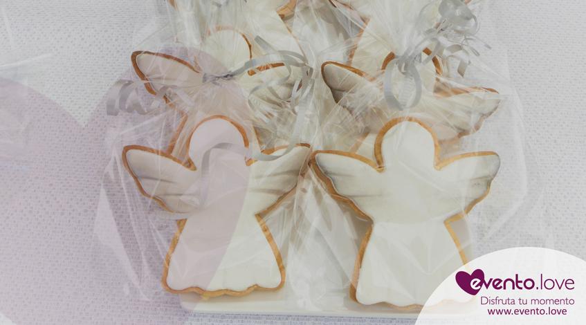 triple celebración en el jardín galletas personalizadas temáticas angelitos angel bautizo comunión blanco