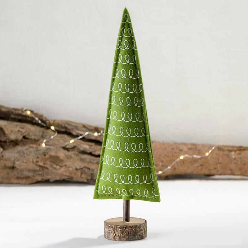 d1467f7ef83 Árbol de navidad decorativo de fieltro